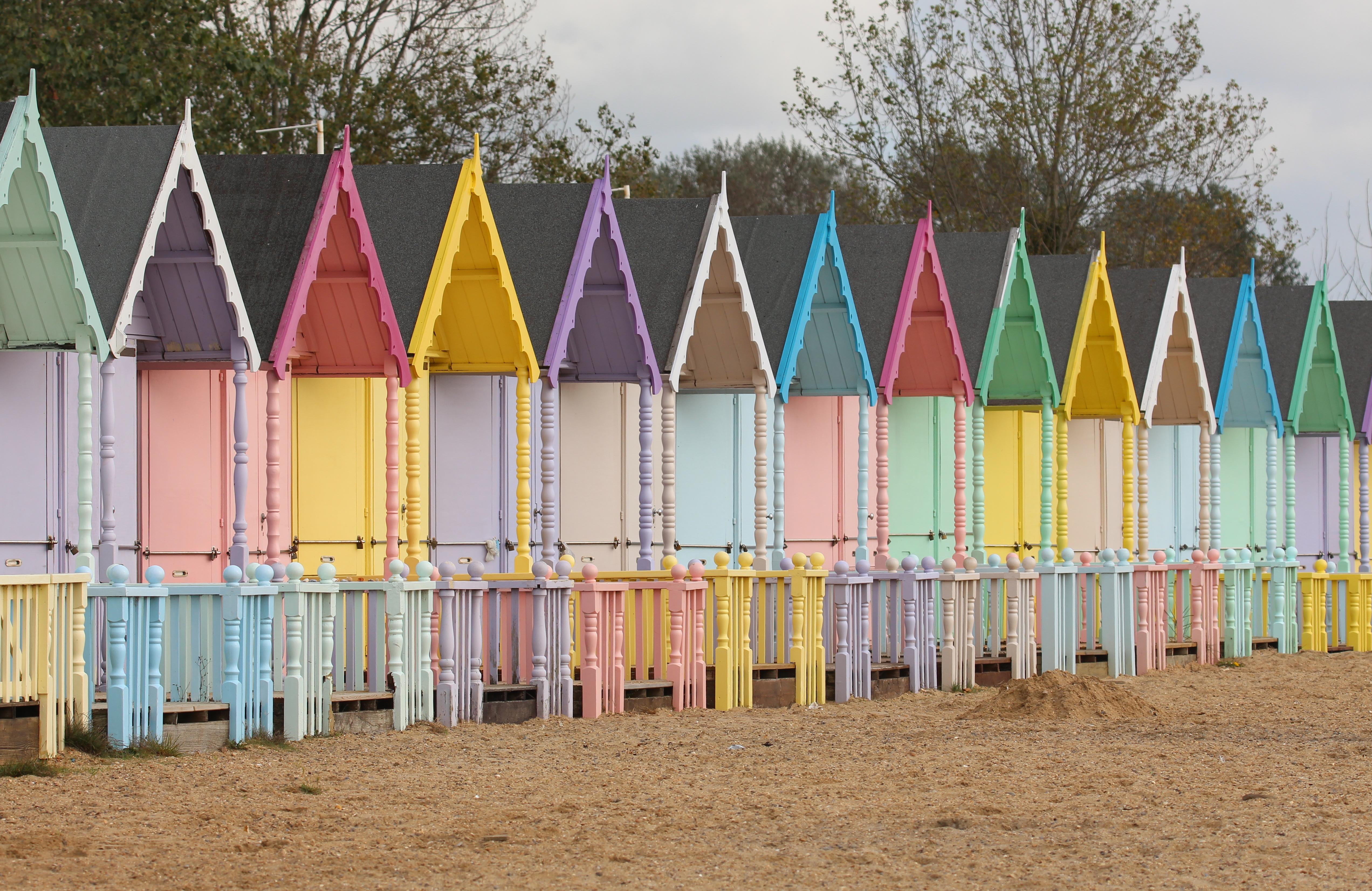 beach-huts-mersea